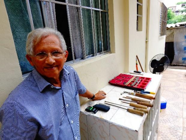 O afinador de pianos Damião de Jesus (foto; Carlos Bozzo Junior)