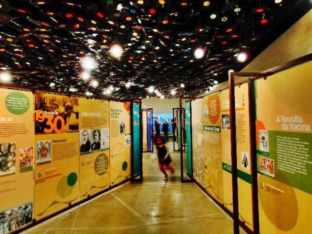 Fotos, textos e músicas compõem a mostra A Música Canta a República, no Instituto Tomei Ohtake (Foto: Carlos Bozzo Junior)