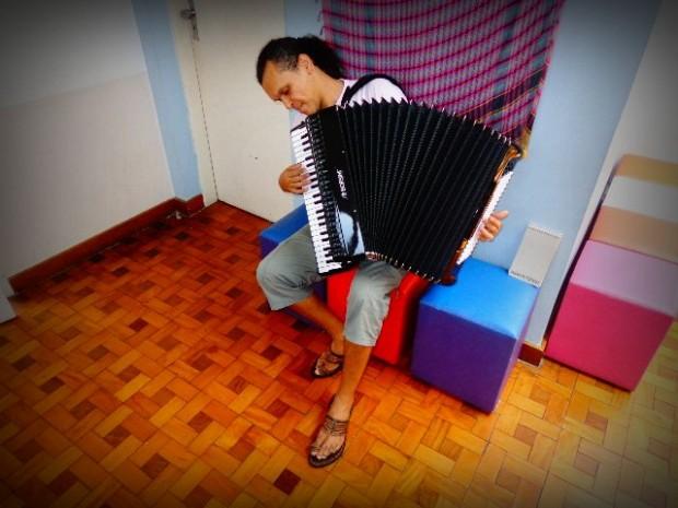 O curador do projeto 1° Encontro de Sanfona, que acontece em São Paulo (Foto: Carlos Bozzo Junior)