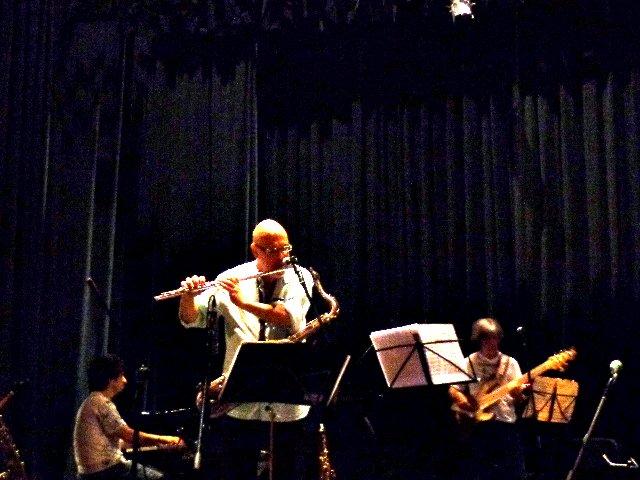 O músico Vinícus Dorin durante passagem de som do grupo de Hermeto Pascoal, em 2015, em São Paulo (Foto: Carlos Bozzo Junior)