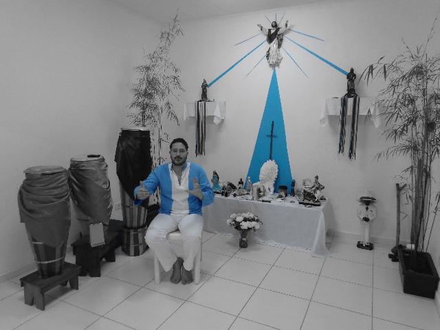 Pai Felipe, em seu templo (Foto: Carlos Bozzo Junior)
