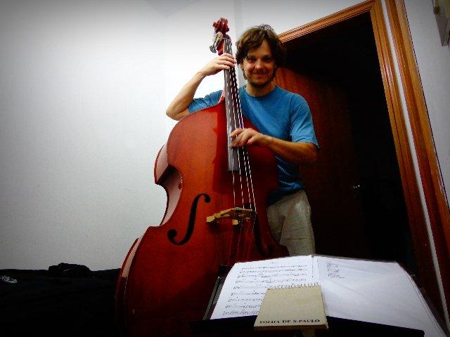 O músico Zéli Silva integrante da Caravana Tonteria (Foto: Carlos Bozzo Junior)