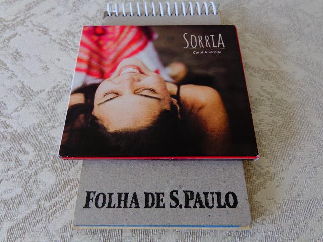"""Capa do disco """"Sorria"""", de Carol Andrade (Foto: Carlos Bozzo Junior)"""