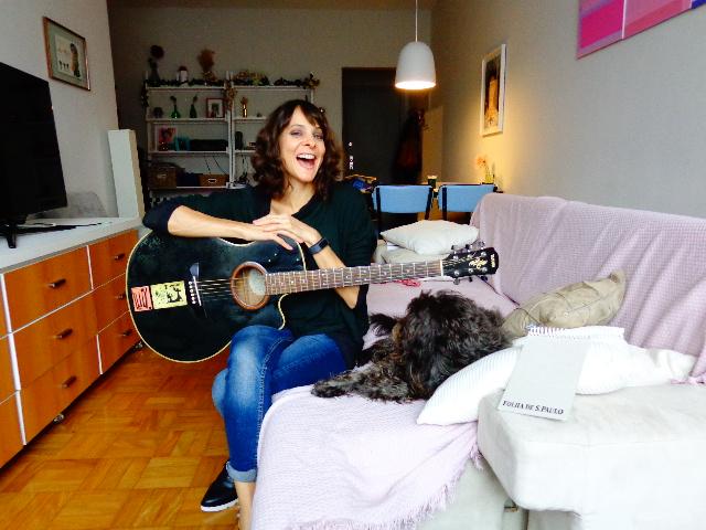 Blubell e o cão Zé (Foto: Carlos Bozzo Junior)