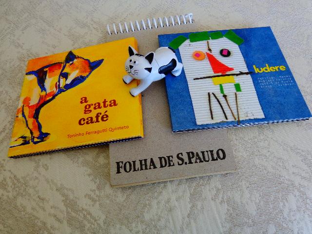"""Capa dos CDs """"A Gata Café"""" e """"Ludere"""" ( Foto: Carlos Bozzo Junior)"""