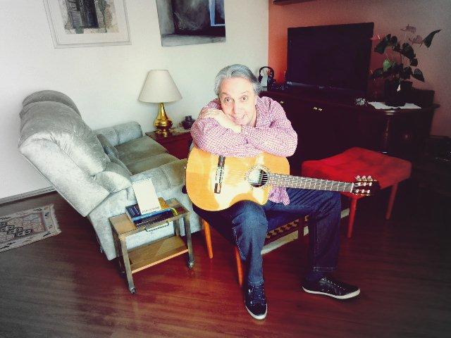 O cantor em entrevista ao Música em Letras (Foto:Carlos Bozzo Junior)