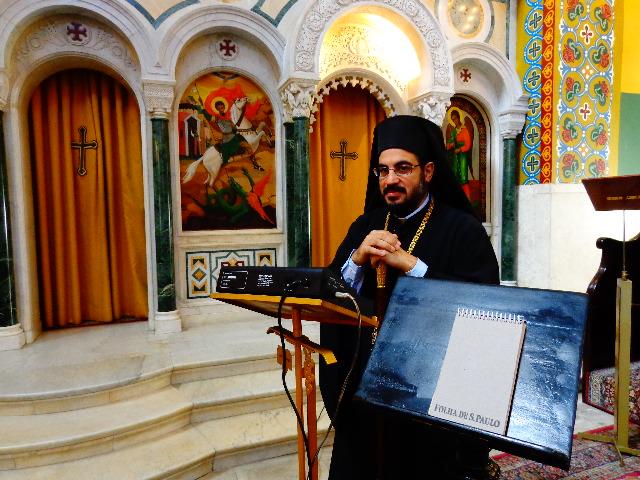 Dom Romanós, antes de cantar para o Música em Letras (Foto: Carlos Bozzo Junior)