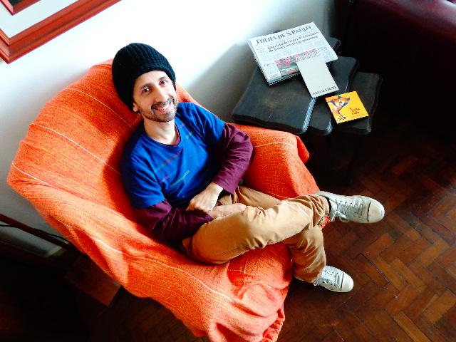 O músico André Marques realizando audição às cegas para o Música em Letras (Foto: Carlos Bozzo Junior)