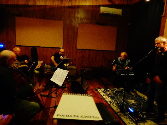 Ensaio do trio Black Tie (à esquerda), com Tuco Marcondes e Ritchie (Foto: Carlos Bozzo Junior)