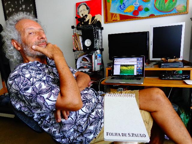 O músico Caíto Marcondes participando da audição às cegas para o Música em Letras (Foto: Carlos Bozzo Junior)