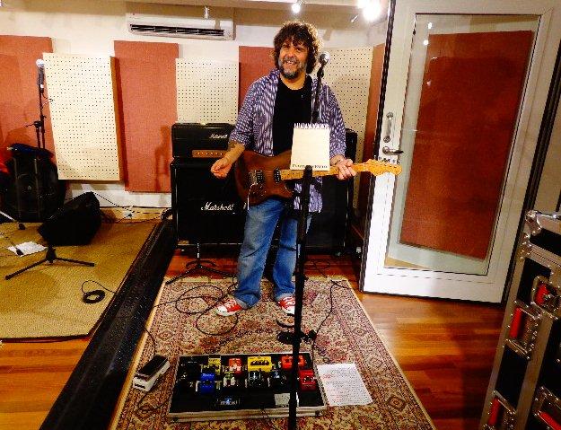 O guitarrista e compositor Xando Zupo, que faz show no sábado (29), com grupo (Foto: Carlos Bozzo Junior)