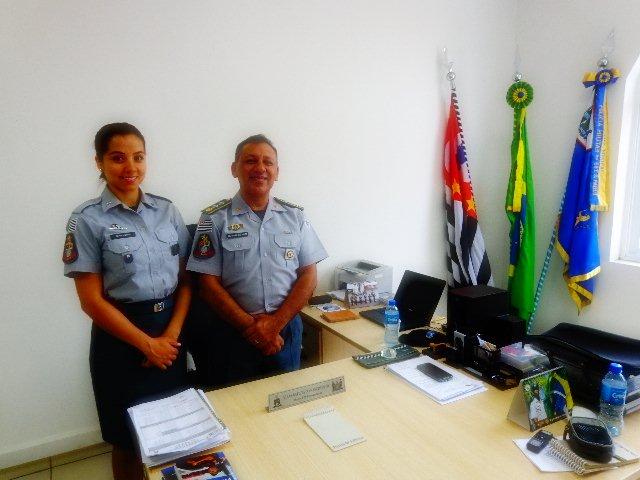 A soldado Luana e o major Nascimento (Foto: Carlos Bozzo Junior)