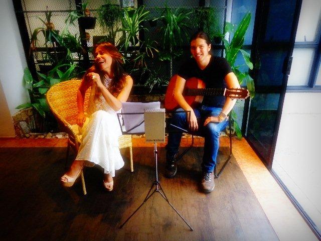 A cantora e jornalista Cecília Leite e o instrumentista Tadeu Ramos (Foto: Carlos Bozzo Junior)