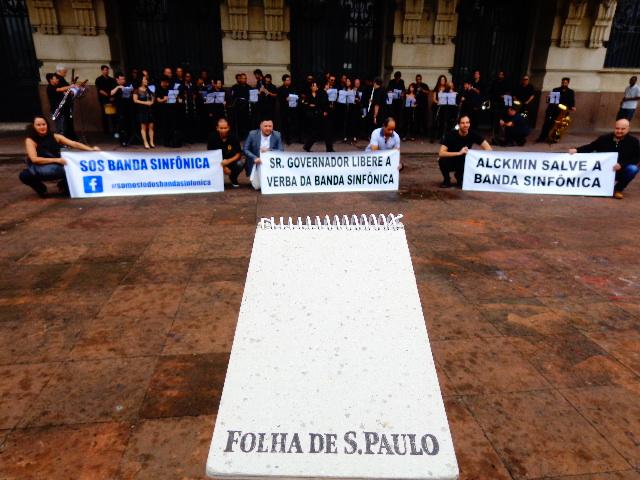 A Banda Sinfônica do Estado de São Paulo, que realizou um concerto protesto, na capital, nessa sexta-feira (Foto: Carlos Bozzo Junior)