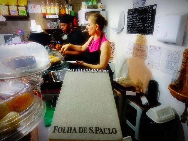 Os cantores e baristas Ricardo Moreno e Sonia Presta