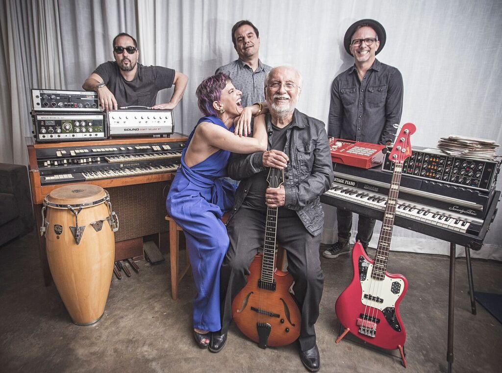 A banda Bossa Cuca Nova e Roberto Menescal